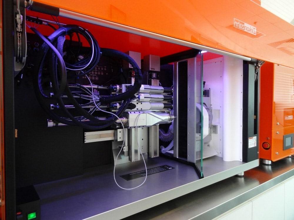 CAD Cam makes implants in Digital Dentistry